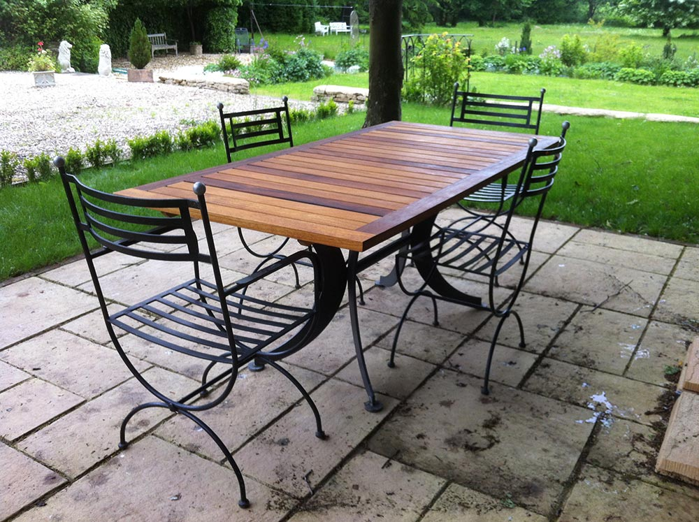 charlie-caffyn-designs-iroko-garden-table