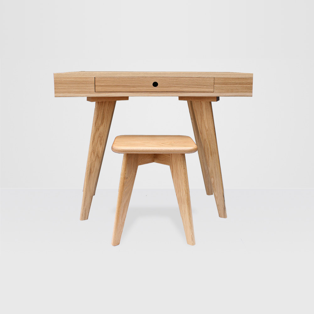 charlie-caffyn-designs-oak-dressing-table